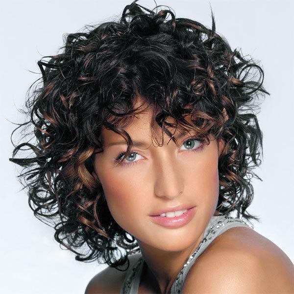 Coupe De Cheveux Frises Mi Long