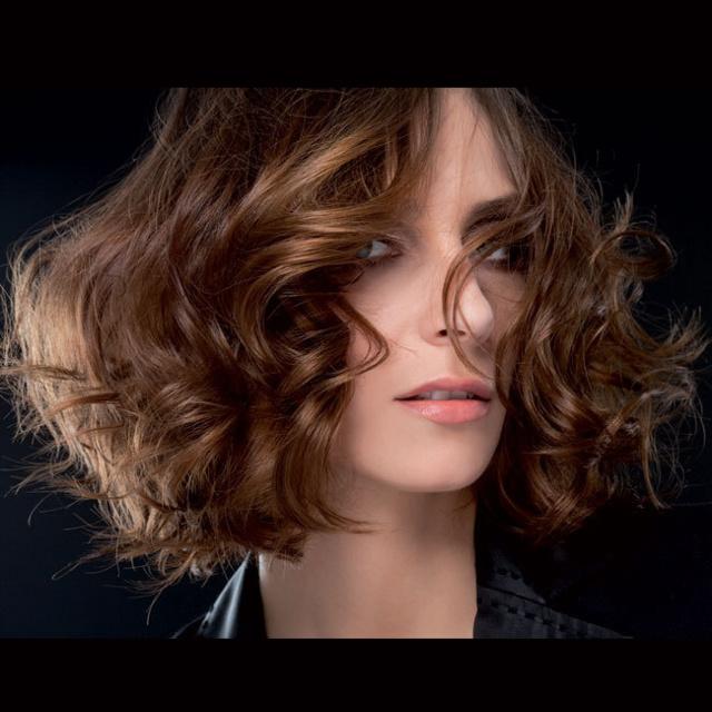Coupe et coiffure printemps-été 2013 BIGUINE pour cheveux mi-longs