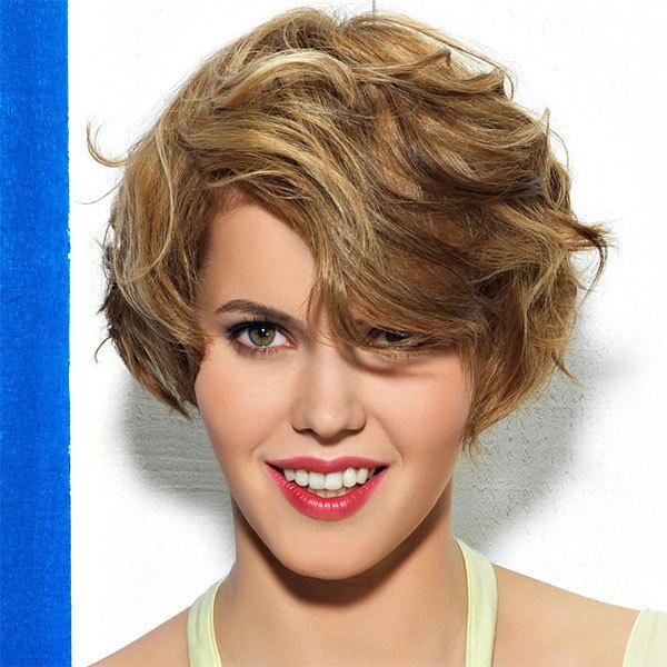Coupe et coiffure printemps-été 2013 COIFF&Co pour cheveux mi-longs