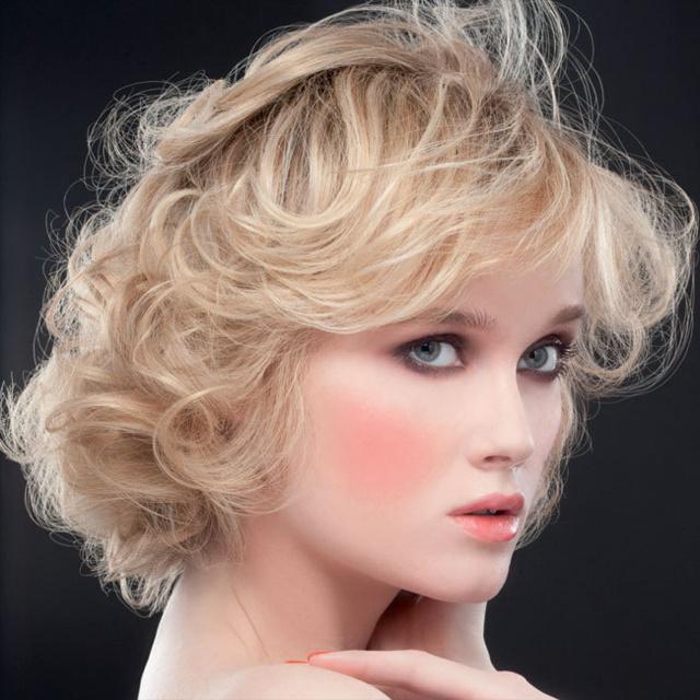 Coupe et coiffure printemps-été 2013 JEAN-CLAUDE BIGUINE pour cheveux mi-longs
