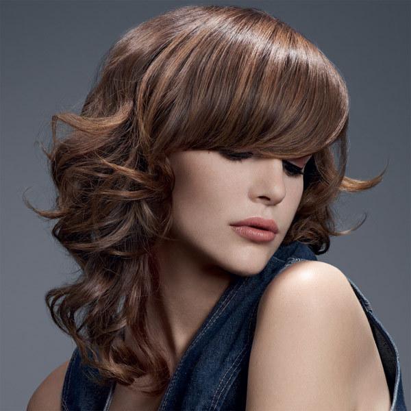Coupe et coiffure automne-hiver 2012-2013 CAMILLE ALBANE pour cheveux longs