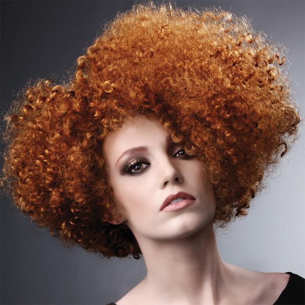 Coiffure INTERCOIFFURE - cheveux mi-longs - printemps-été 2012