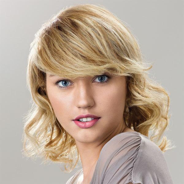 Coiffure INTERMEDE - cheveux mi-longs - printemps-été 2012