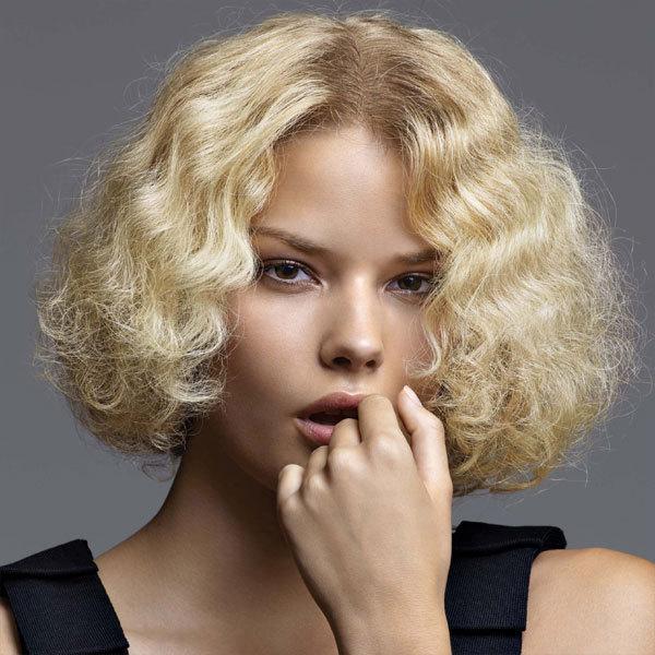 Coiffure MANIATIS Paris - cheveux mi-longs - printemps-été 2012