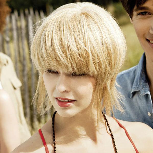 Coiffure COIFFEUR en FRANCE - cheveux mi-longs - printemps-été 2012