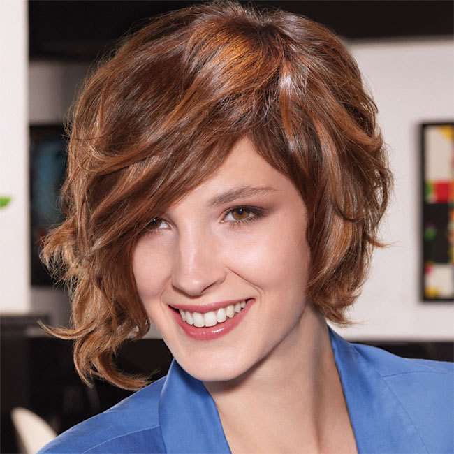Coiffure CAMILLE ALBANE - cheveux mi-longs - Automne-hiver 2011-2012