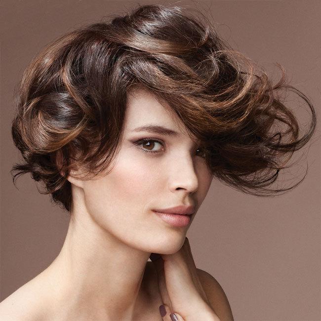Coiffure DESSANGE Paris - cheveux mi-longs - Automne-hiver 2011-2012