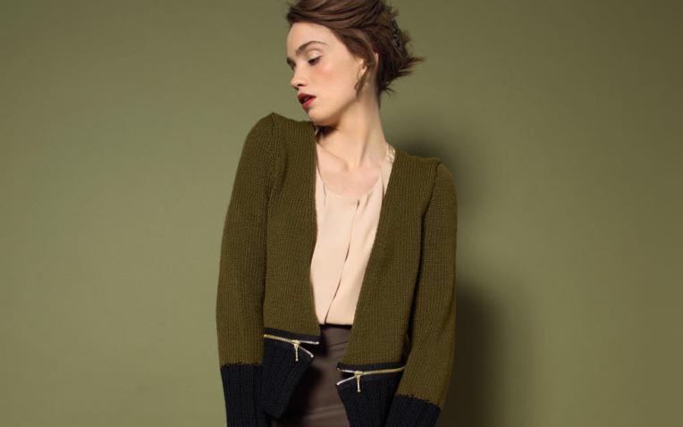 TRICOT GRATUIT - Veste bicolore à zips au point jersey - Création Phildar