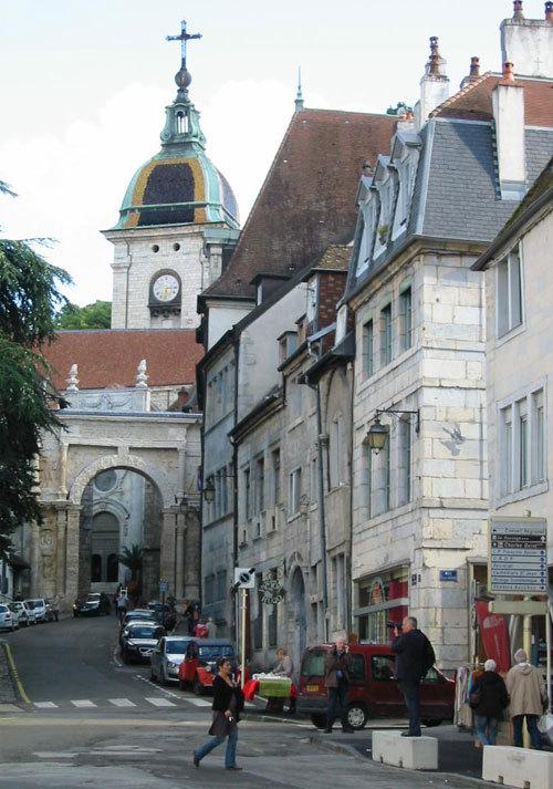 Besançon, la place Victor Hugo © D.R.