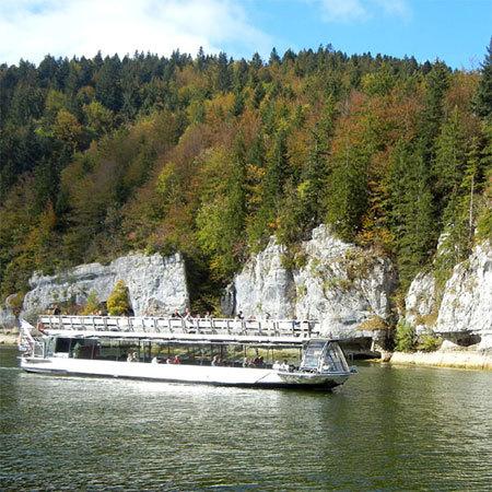 Bateau promenade dans les bassins du Doubs © Doubs Tourisme - Damien Mouchet