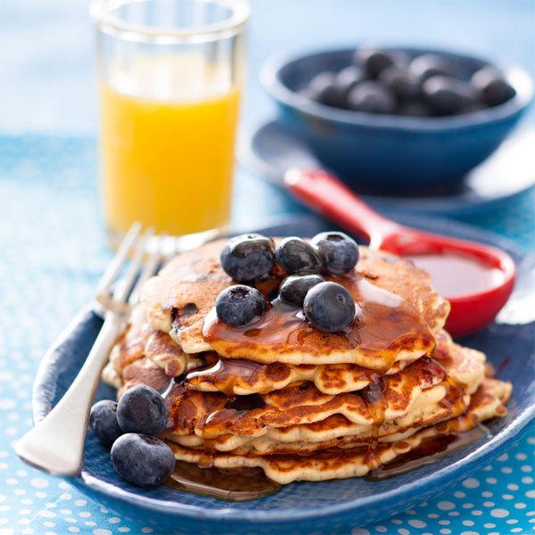 Zoom pancakes aux myrtilles et sirop d'érable