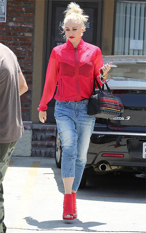 Gwen Stefani in Type C G-Star © Splash images-Hollandse Hoogte