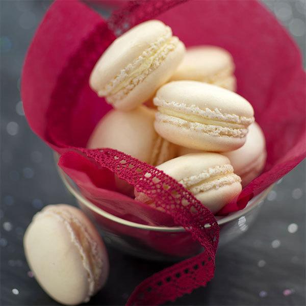 ZOOM macarons au Boursault, amandes et baies roses