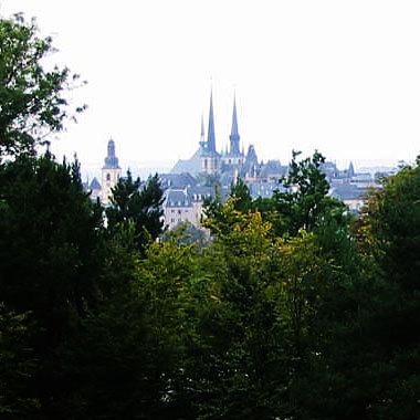 Luxembourg-ville depuis le plateau du Kirchberg (D.R.)