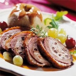 Magret de canard farci de viandes et fruits à l'armagnac façon Compagnons du Goût
