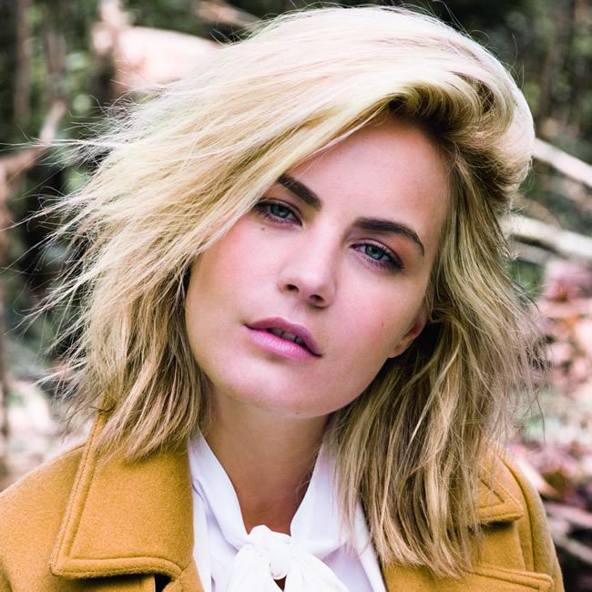 Coiffure cheveux mi-longs - MOD's HAIR - Tendances automne-hiver 2015-2016