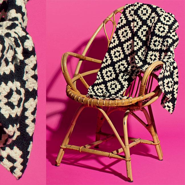 Modèle gratuit : écharpe-étole en carrés à crocheter