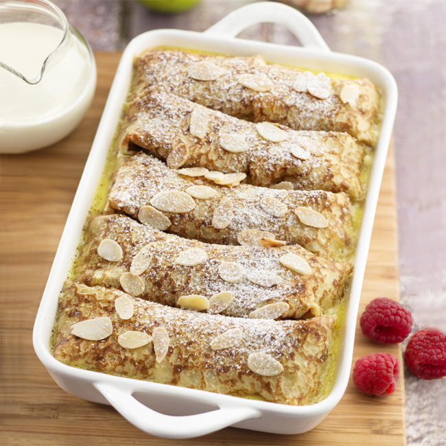 Zoom recette gâteau de crêpes, gratiné aux fruits et aux amandes.