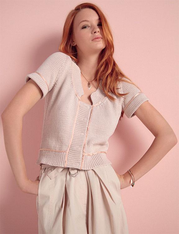 Tricot gratuit expliqué : Pull pressionné à manches courtes au point jersey à tricoter © Création Phildar.