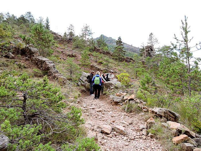 Sentier de randonnée en Haute-Provence © ABCfeminin.com.
