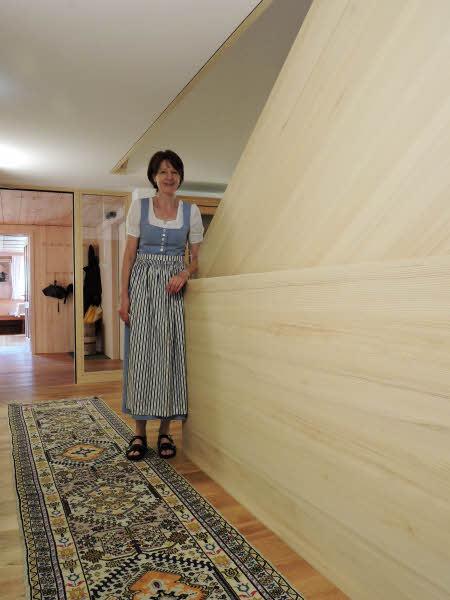 Décor boisé dans les couloirs de l'Hôtel Restaurant Tannahof dans le Vorarlberg © ABCfeminin.com.
