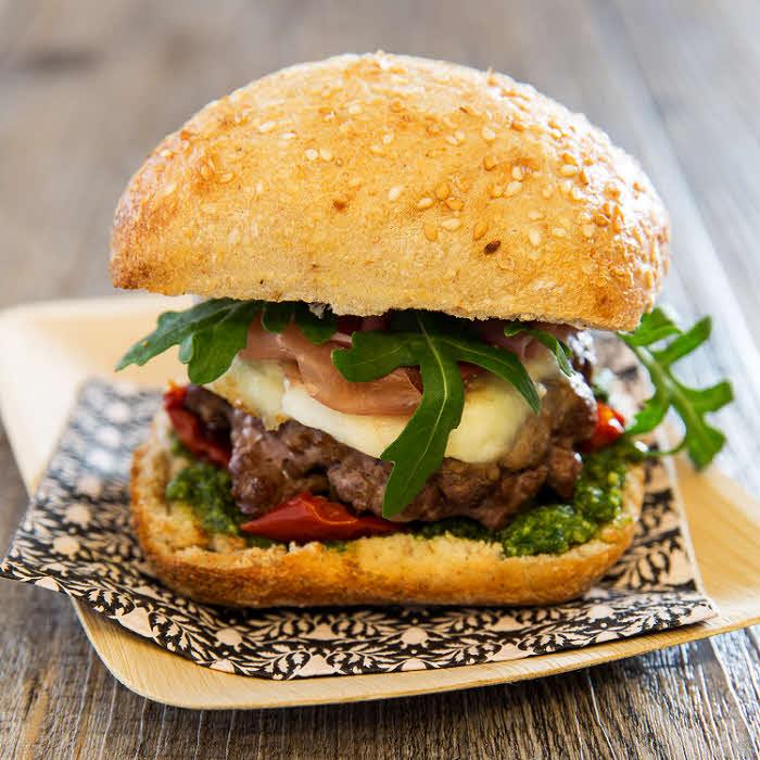 Recette all'italiana : Burger à la mozzarella.