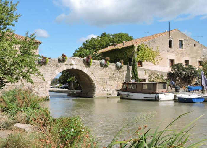 Le Somail au bord du Canal du Midi dans le Minervois © ABCfeminin.com.