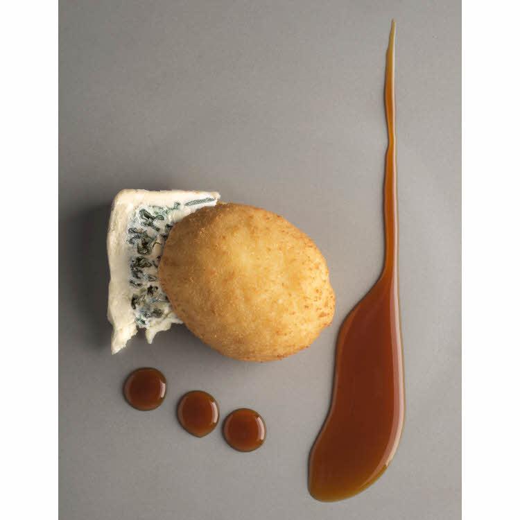 Recette de Pierre Gagnaire : poêlée de coques, aux poireaux et au Saint Agur @Jacques_Gavard