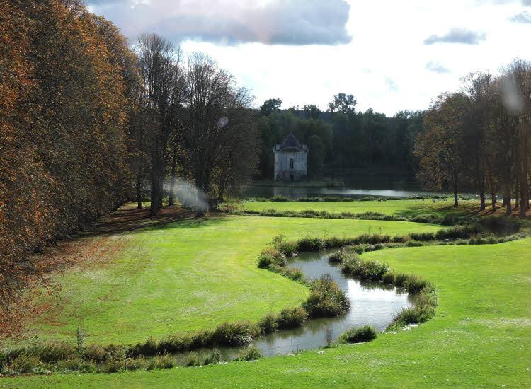 Parc du château d'Ancy le Franc en Bourgogne © ABCfeminin.com.