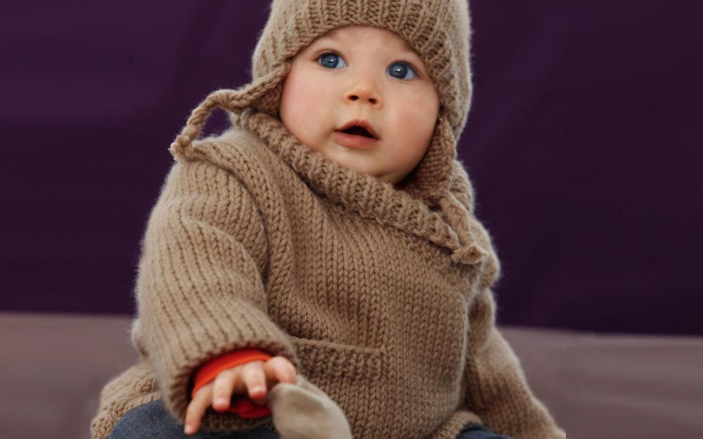 Modèles layette expliqués : veste paletot et bonnet pour bébé © Phildar.