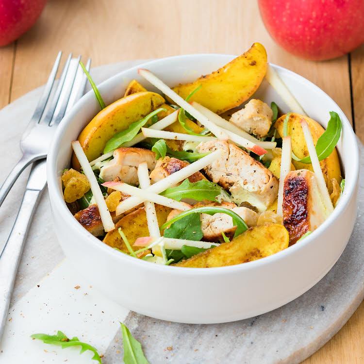 Salade poulet citronné, pommes Pink Lady® au curry, sauce yaourt