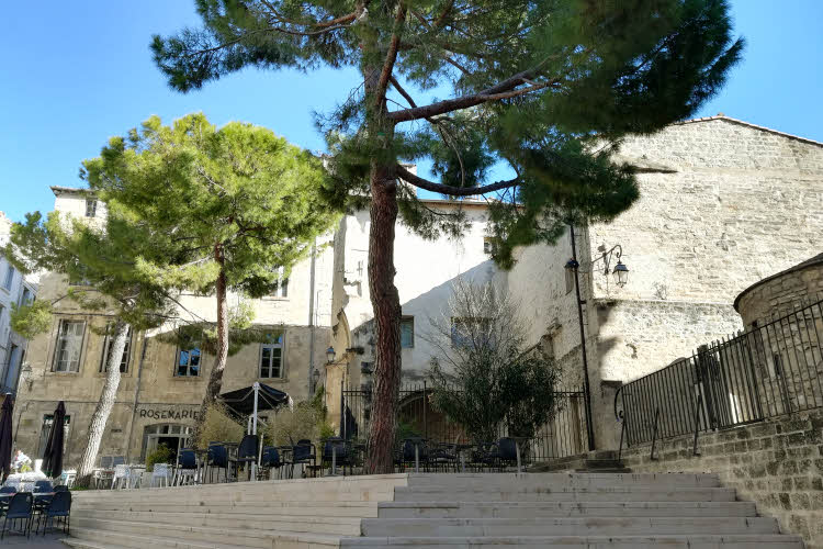 Placette dans le quartier historique de Montpellier © ABCfeminin.com.