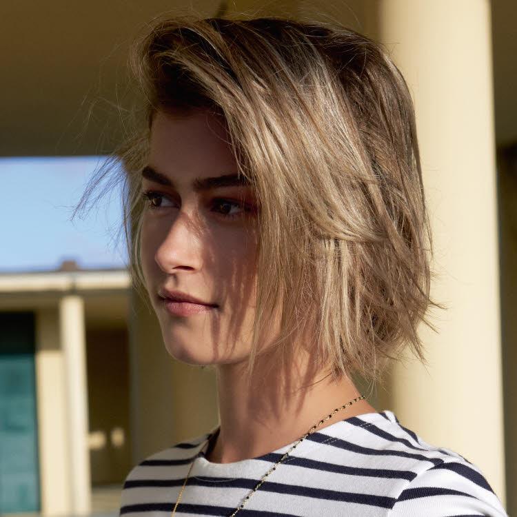 Coupe et coiffure cheveux mi-longs MOD's HAIR - Printemps-été 2019.