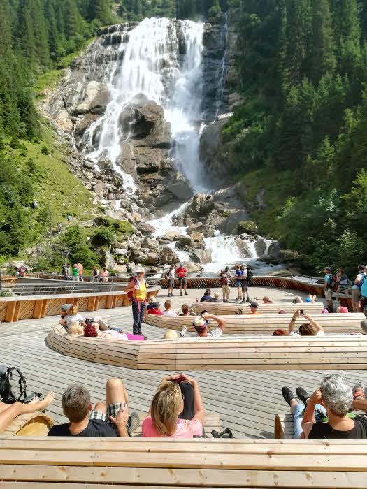 Au pied de la cascade Grawa dans la vallée de Stubai au Tyrol © ABCfeminin.com.