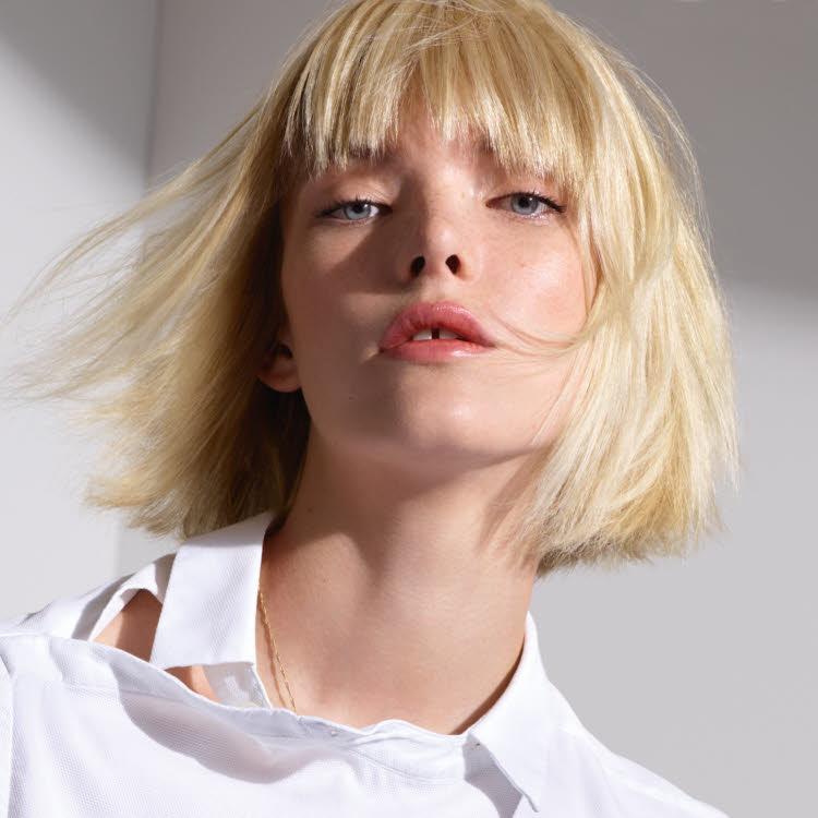 Coupe et coiffure cheveux mi-longs DESSANGE Paris - Automne-hiver 2019-2020.