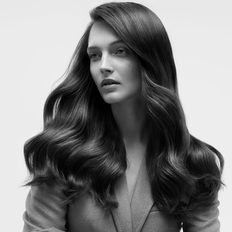 Coupe et coiffure pour cheveux longs DESSANGE Paris - Printemps-été 2020.