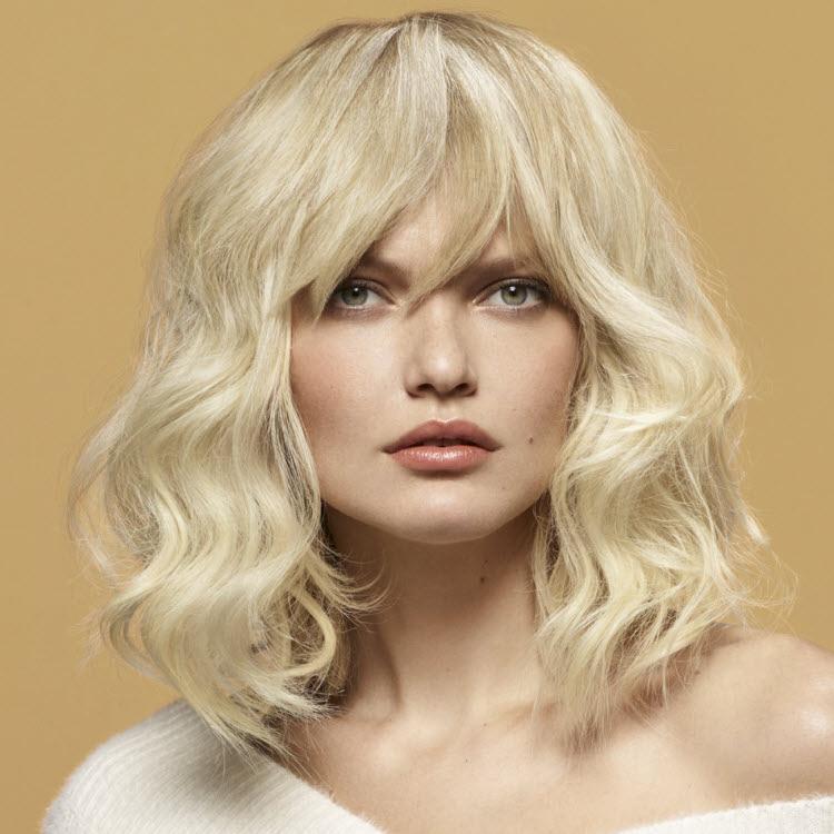 Coupe et coiffure pour cheveux longs Camille ALBANE - Printemps-été 2020.