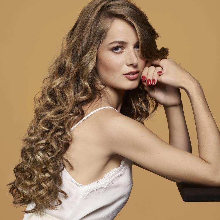Coiffure pour cheveux longs Camille ALBANE - Printemps-été 2020