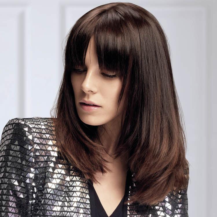 Coupe et coiffure pour cheveux longs VOG - Automne-Hiver 2020-2021.