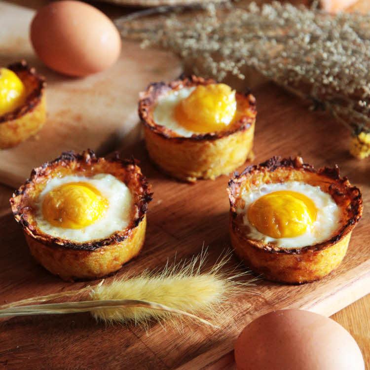 Recette de Pâques : nids de pommes de terre à l'oeuf fermier bio.