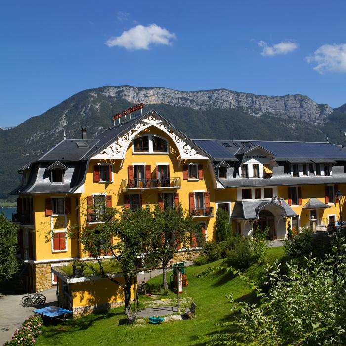 Hôtel Les Trésoms Lake & Spa Resort au bord du lac d'Annecy
