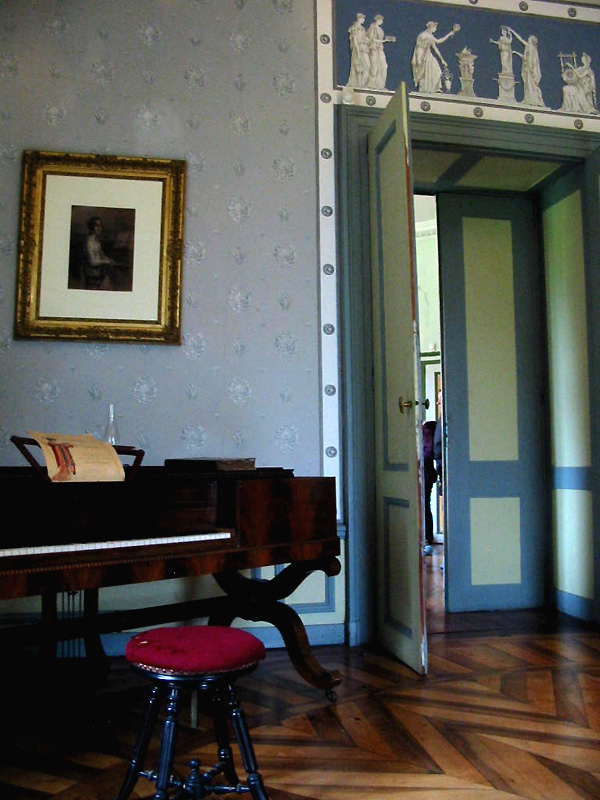 Piano à queue sur lequel aurait joué Chopin à la Villa Palladienne de Syam (D.R.)