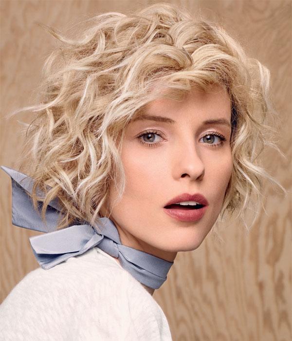 Cheveux mi-longs et bouclés - Coiffure Camille ALBANE - automne-hiver 2014-2015