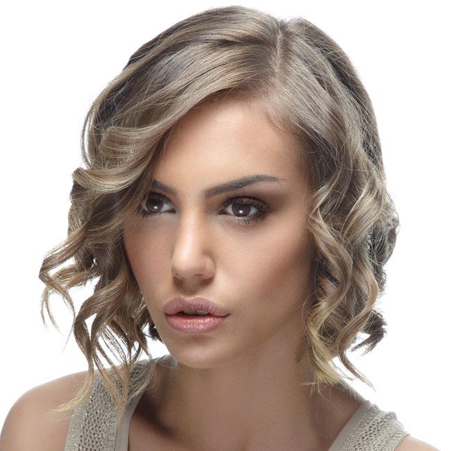 Coiffure cheveux mi-longs - STUDIO AVENUE - tendances automne-hiver 2014-2015