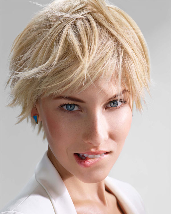 Cheveux raides et courts - Coiffure INTERMEDE - printemps-été 2015