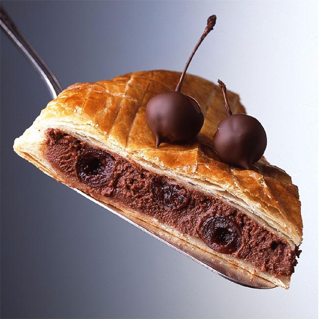 ZOOM recette galette des rois fourrée au chocolat et aux cerises Griottines