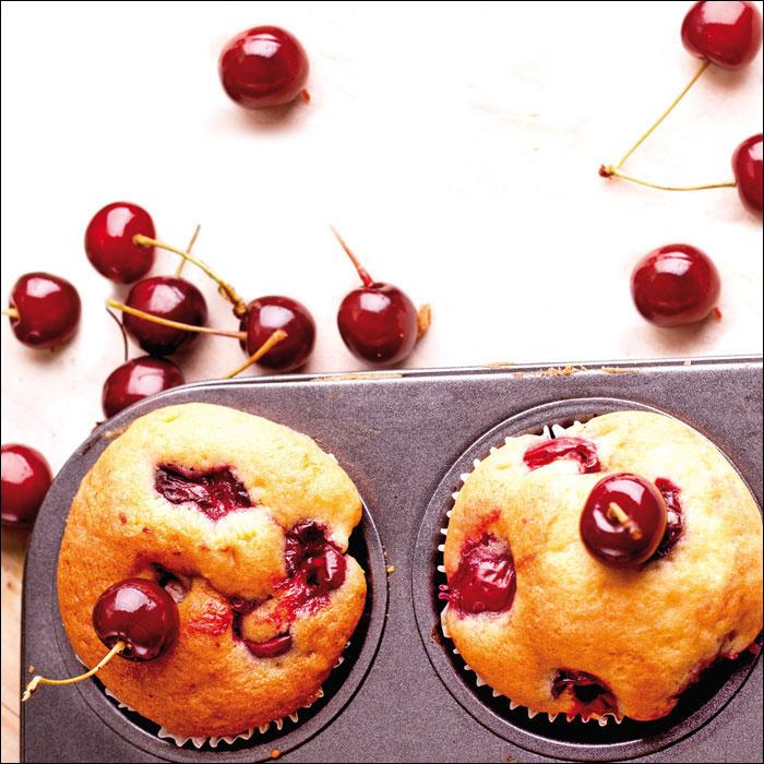 Zoom recette cakes aux cerises et au miel de cerisier