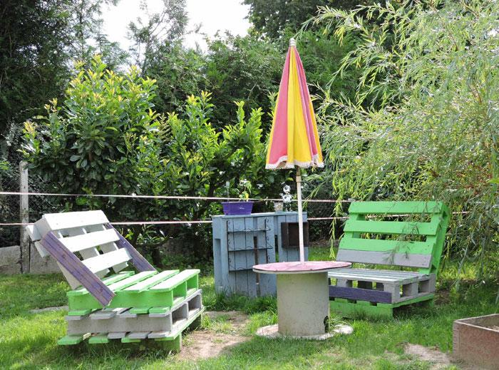Les meubles de jardin fabriqués avec des palettes par Flavie (D.R.)