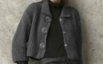 Modèle féminin expliqué : veste-paletot au point de sable © Phildar..
