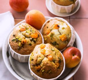 Petits gâteaux moelleux à l'abricot huile d'olive et pistaches
